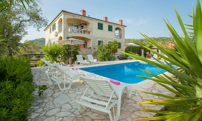 Photo for Villa/apartment with pool on a peaceful authentic estate