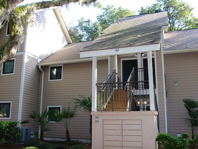 Lovely Renovated Two Bedroom Villa! Open Kitchen! Short Ride to Beaches!