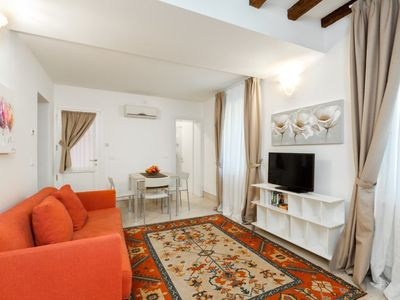Photo for San Samuele apartment Ground floor with courtyard