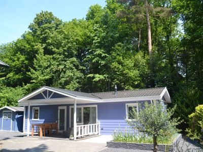 Cosy cottage with combi-microwave, located near the forest