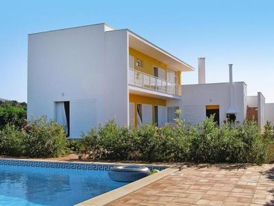 Photo for holiday home, Albufeira  in Algarve - 6 persons, 3 bedrooms