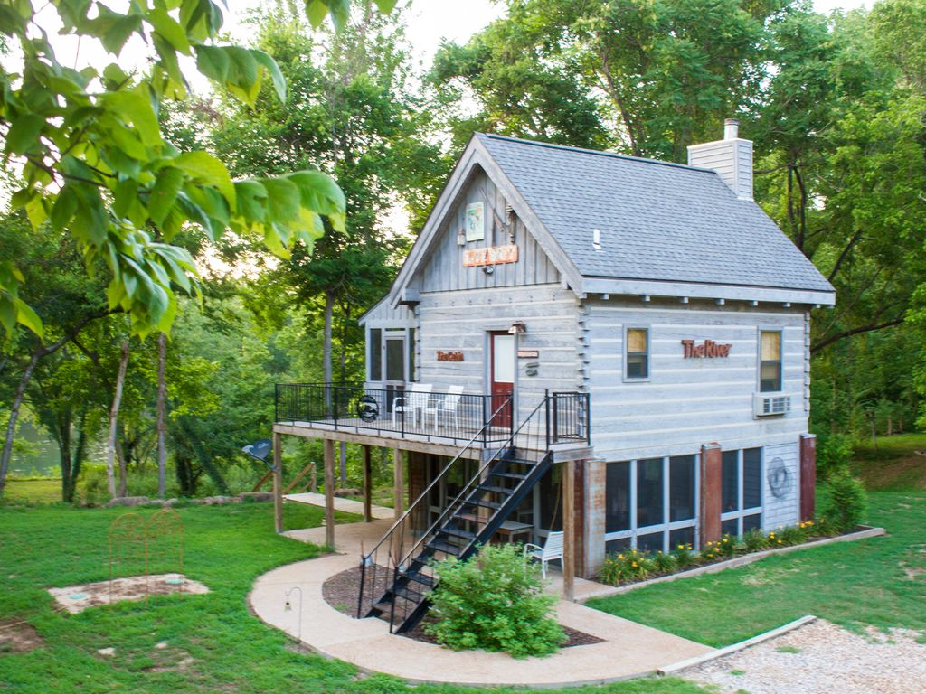 Get away from it all on the white river n homeaway for White river cabin rentals arkansas