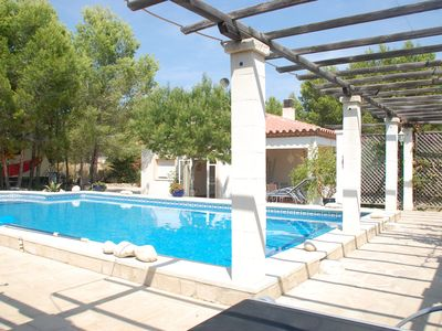 Photo for Magnificent detached house with large garden and private pool 2000m2