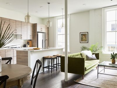 Photo for Luxury 1BR in C.B.D. by Sonder