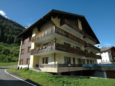 Photo for Spacious and bright apartment on ground floor, overlooking Aletsch Glacier