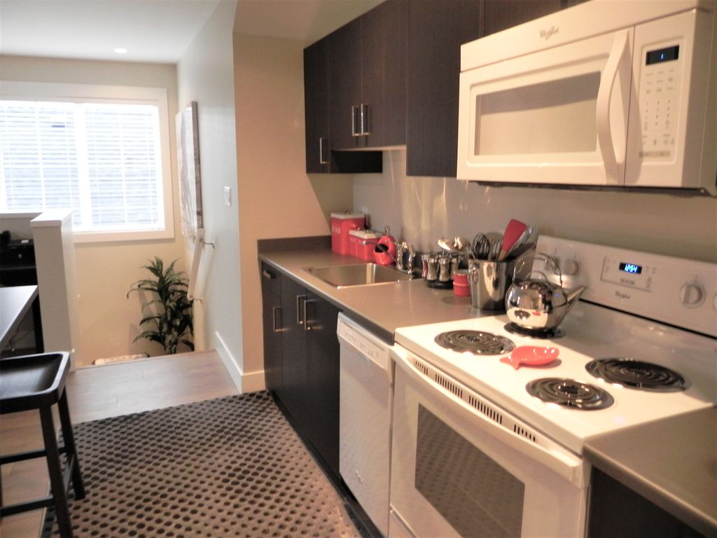 700 Sq Ft Apartment brand new 700 sq ft 1 bedroom apartment in sidney bc, sidney