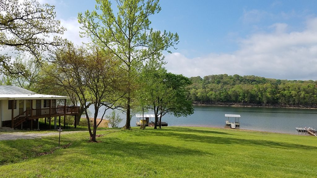 1,400 sf Lakefront Home with Nearby Boat Ra... - VRBO