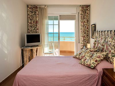 Photo for Apartment Front Beach in Calafell - 6 persons, 4 bedrooms