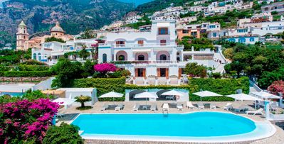 Photo for 8bd private villa, pool, steps away from restaurants, bars and main shops