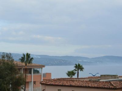 Photo for Apartment Cavalaire-sur-Mer, 2 rooms, 4 persons