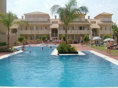 Photo for Luxury G/floor poolside bungalow on Albatros mins from beach, shops & Restaurant