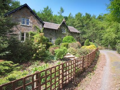 Photo for Large country house with outdoor hot tub and BBQ house and lovely gardens.