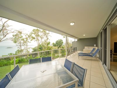 Photo for Blue Water Views 14 - 2 bed, 2 bath, spectacular views of the Whitsunday Islands