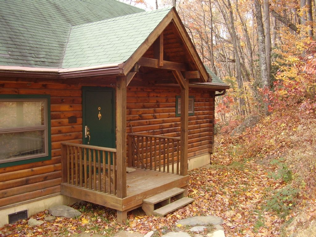 Beautiful Log Cabin Secluded In The Mountains Of Blowing
