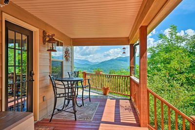 The home has 2 bedrooms, 2 bathrooms, and stunning mountain views!