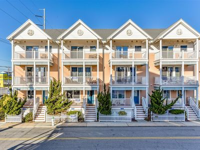 Beautiful 4 Bedroom Townhouse with Outdoor Pool Just Steps to the Beach!