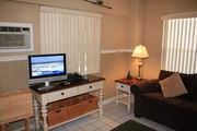 The Beach Paradise 10-Sleeps 3, Heated Pool- Free Bikes-30 Yards From The Beach