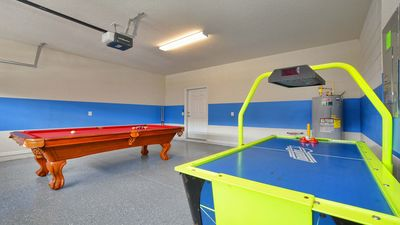 Photo for Games Room, Lake View, Private pool and spa/Sleeps 18/Pool table/Air hockey/wifi
