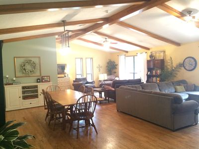Photo for EXCELLENT LOCATION, 3 miles to Kyle Field, Family Friendly, Quiet & Comfy