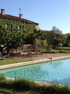 Photo for 18th-century Provencal farmhouse for 10 with swimming pool