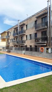 Photo for 5 SEATS APARTMENT WITH TERRACE AND SWIMMING POOL IN SANT PERE PESCADOR