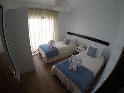 Photo for Beautiful 2 bed apt, lovely complex, 5 min walk into Alvor, free wifi