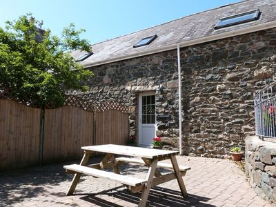Photo for Llofft Llyn - Two Bedroom Apartment, Sleeps 4