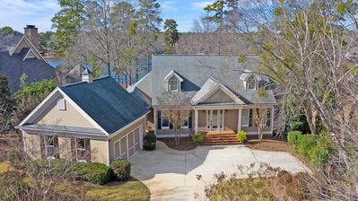 Photo for Masters Ready!!! Spacious & Remodeled lake home in gated Reynolds Lake Oconee