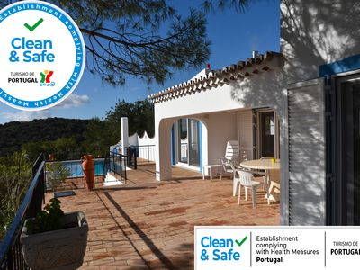 Photo for Villa Detached quiet spectacular views of the Algarve and the ocean