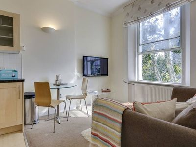 Photo for Pretty 1Bed Flat in Notting Hill 3 Mins to Tube