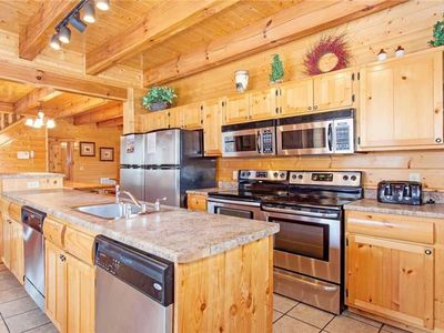 Photo for Double kitchen perfect for preparing meals. Low winter rates! Book now!