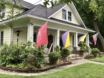 Charming 1920's Bed & Breakfast In Small Town 10 Min  From Columbia