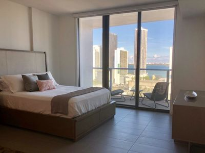 Studio in NEW building with views in the Arts & Entertainment District