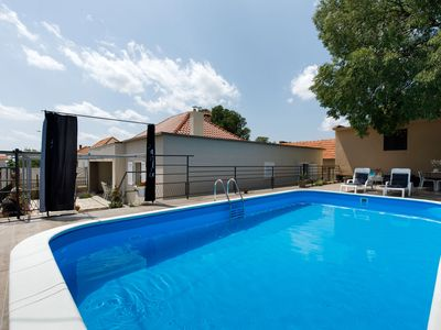 Photo for Charming holiday home with private swimming pool big terrace, near national park