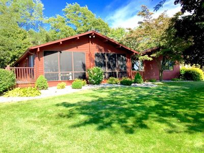 Quiet cottage near Silver Lake Sand Dunes and Lake Michigan