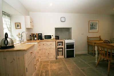 Hand-built kitchen (by Paul Riggs of Frome)