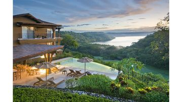 Luxury Living at Peninsula Papagayo: Concierge, Private Beach Club, Golf