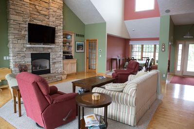 Open family /gathering room, cathedral ceilings, HD