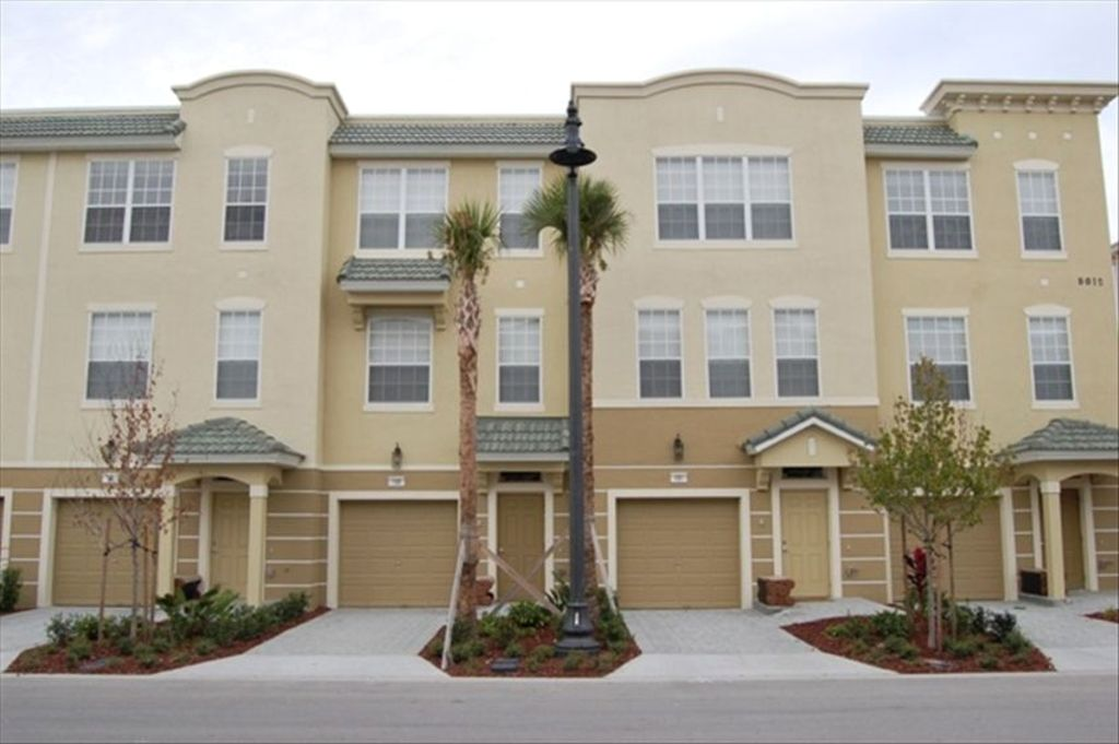 1 of 2 Vista Cay Luxury Townhomes Side-By-Side