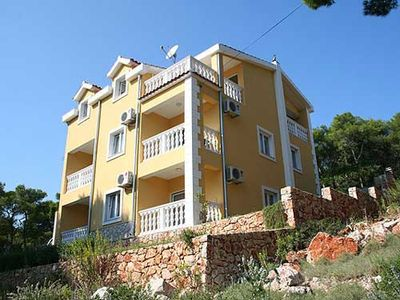 Photo for 1BR Apartment Vacation Rental in Split-Dalmatia County, Op?ina Jelsa