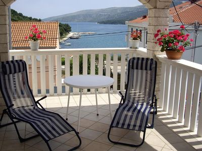 Photo for One bedroom apartment with terrace and sea view Marina, Trogir (A-10003-d)