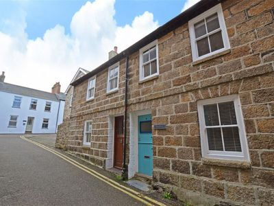 Photo for St Ives Holiday Home, Sleeps 4 with WiFi