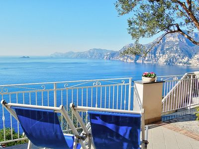 Photo for Villa Gisella A: A bright apartment which faces the sun and the sea, with Free WI-FI.