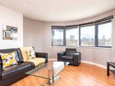 Photo for Light and Bright 1BR apartment Close to Station