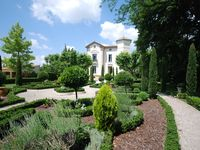 Exquisite Chateau and perfect location
