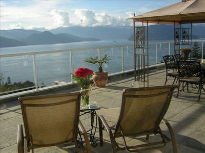 Relax on the deck overlooking spectacular Howe Sound!