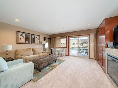 Photo for Grandview River View 643! Luxury Waterfront condo, sleeps up to 6!