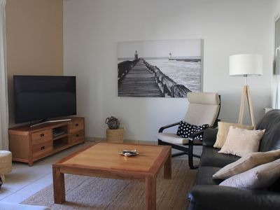 Photo for Town house 1 minute walk from amenities; 10 minutes from the beaches by bike