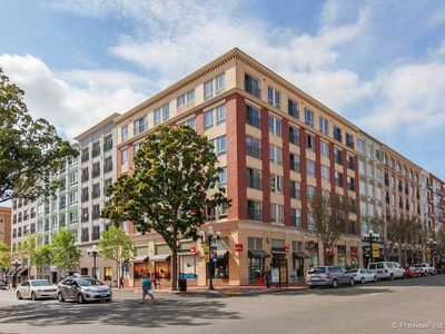 Classic Gaslamp Condo with Easy Access to Everything!