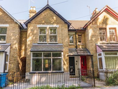 Photo for 3 Bed Recently refurbed, quiet & private location,5 mins from sandbanks Beaches